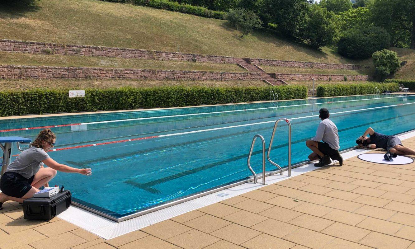 Fotoshootings mit den Stadtwerke-Azubis im Schwimmbad