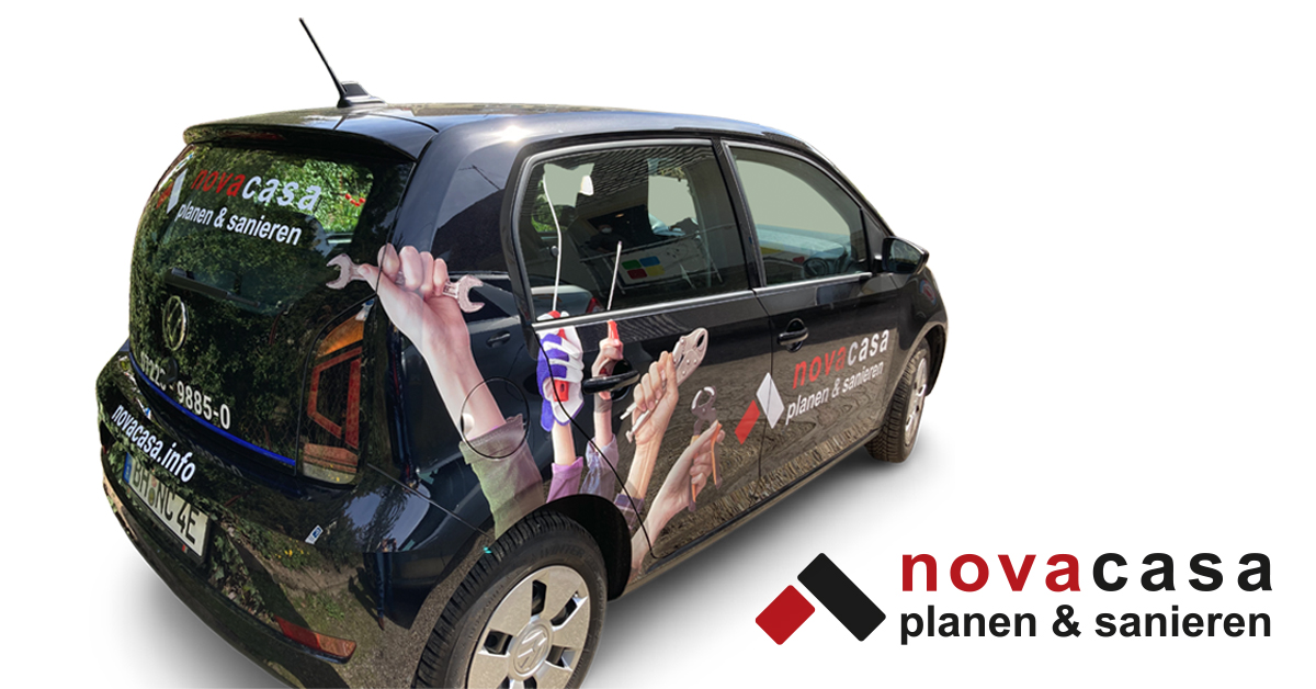Fahrzeugbeschriftung eines VW eUPs von dem Handwerksunternehmen Nova Casa